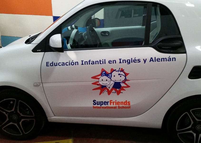 Vehiculo rotulado superfriends - Front panel
