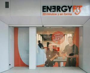Fachadas para locales comerciales en Valencia con Front Panel