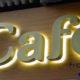 Letreros luminosos en Valencia